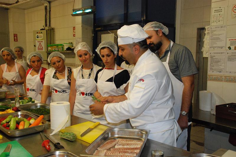 Mahmut Usta'dan Yemek Dersi